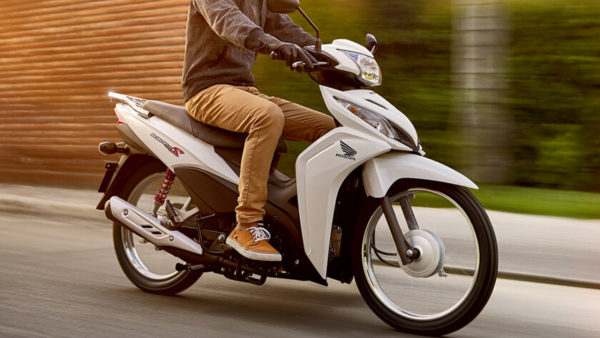 Honda Wave 110s blanca